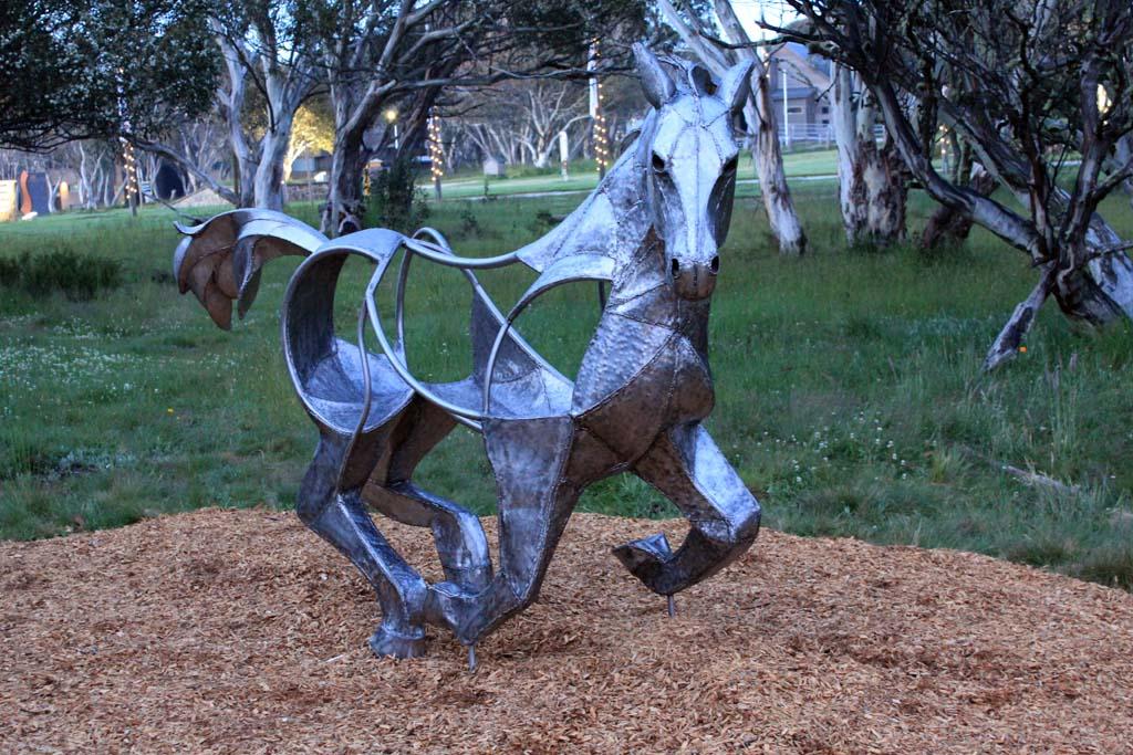 horse + emu 02