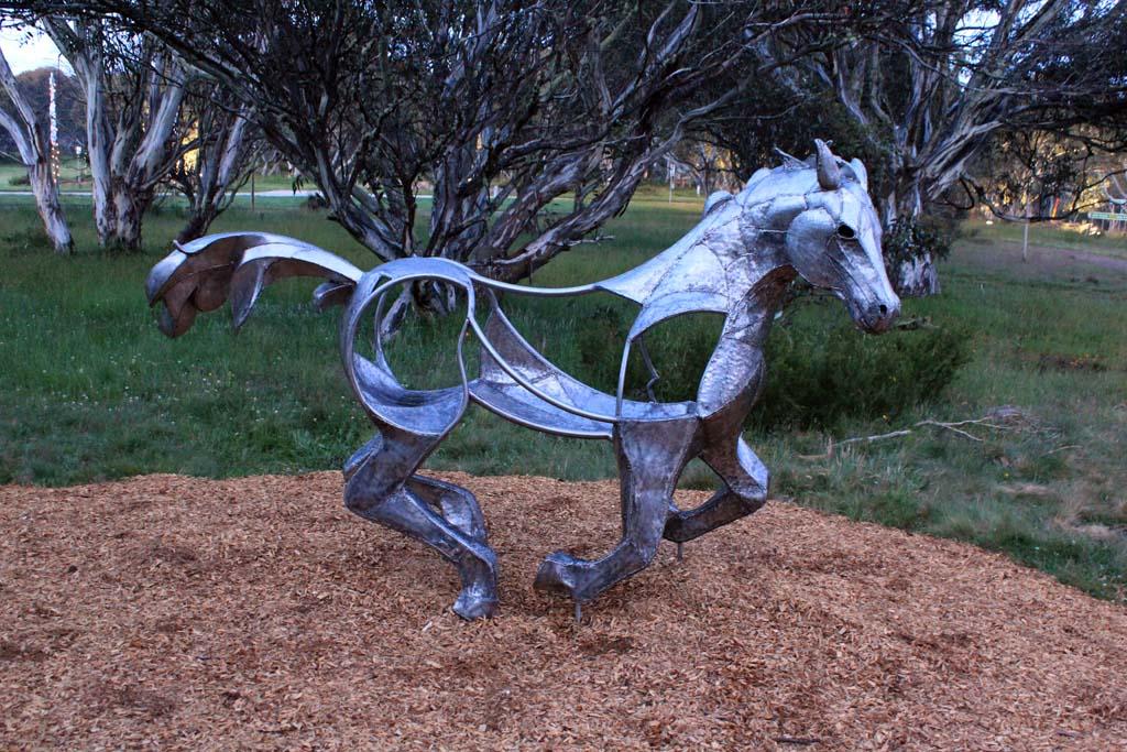 horse + emu 03